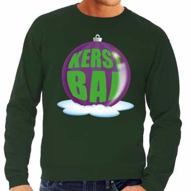 Foute foute kersttrui kerstbal paars op groene sweater voor heren