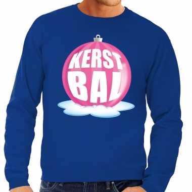 Foute foute kersttrui kerstbal roze op blauwe sweater voor heren