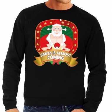 Foute foute kersttrui zwart santa is almost coming voor heren